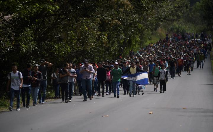 Una nueva caravana de migrantes hondureños se dirige a México