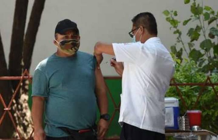 En la Ciudad de México, 300 mil personas han sido vacunadas contra la influenza