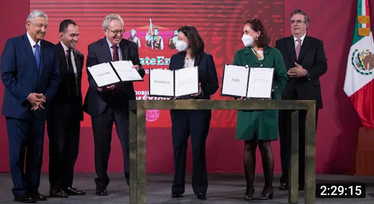 México firma convenio para compra de vacuna contra Covid-19, más de  116 millones de mexicanos serían vacunados al término de 2021.
