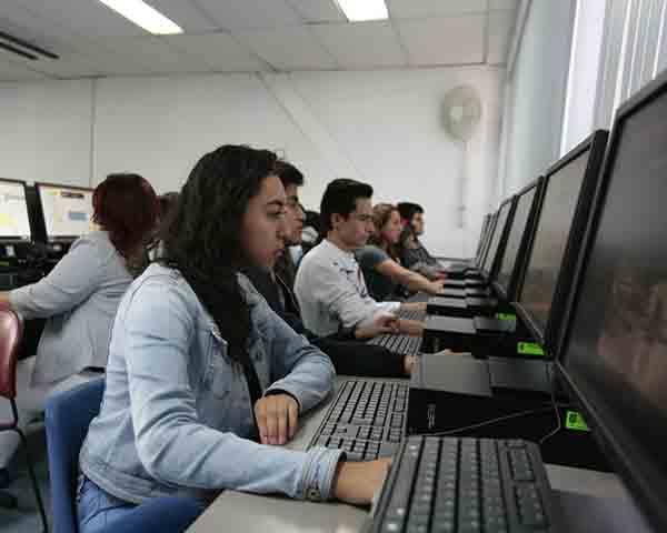 Apoyará IPN a estudiantes de escasos recursos para obtener acceso a internet