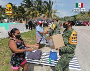 Ejército Mexicano continúa aplicando el Plan DN-III-E en beneficio de las personas afectadas por los fenómenos meteorológicos