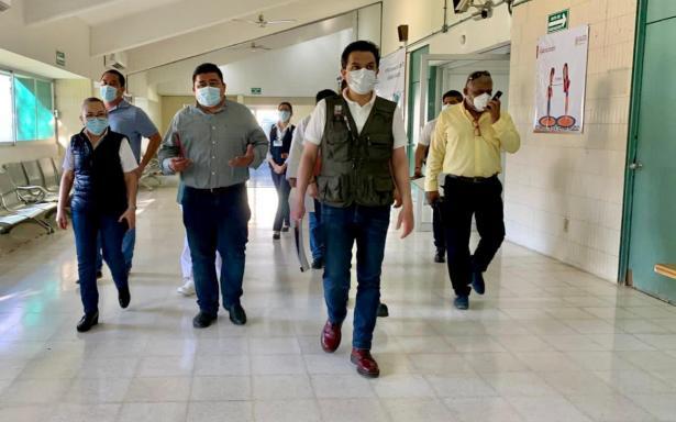Director general del IMSS recorre unidades médicas en Tabasco que mantienen la atención a derechohabientes