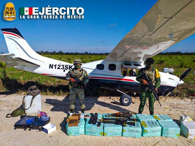 Ejército asegura una aeronave que ingresó al territorio nacional en forma ilícita con más de 350 kilogramos de posible cocaína