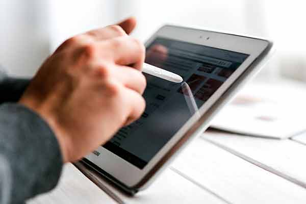 ¿Universitario y sin recursos para una tablet? esta beca te interesa