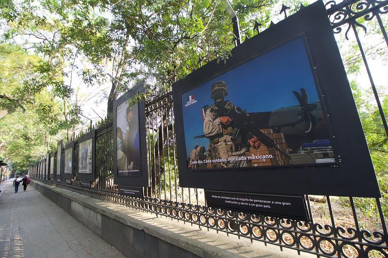 Conmemoran Día de la Fuerza Aérea y Día del Ejército con exposición fotográfica en Rejas de Chapultepec