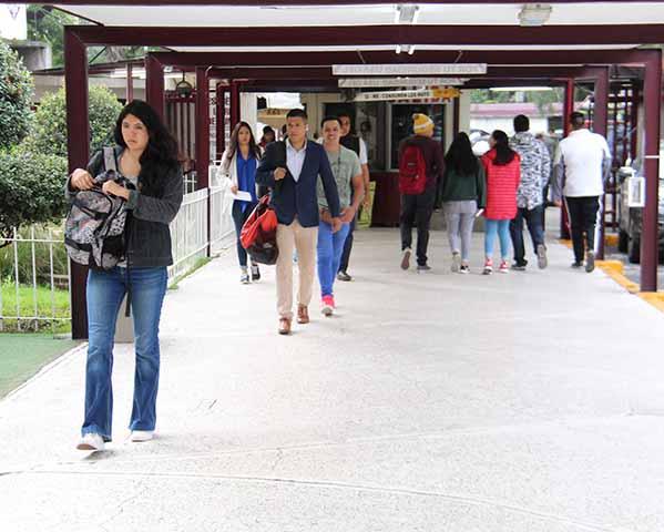 Este martes concluyen 212 mil estudiantes del IPN periodo escolar 2021-1