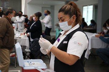 Trabaja personal de salud en atención a COVID-19 y logra el alta sanitaria de más de 91 mil mexiquenses