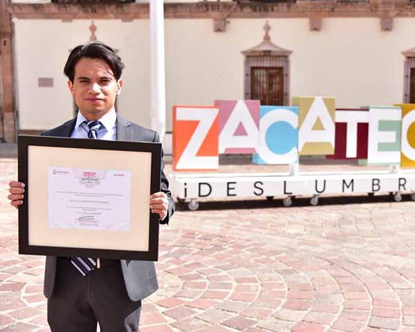Recibe estudiante del IPN Premio Estatal de la Juventud de Zacatecas