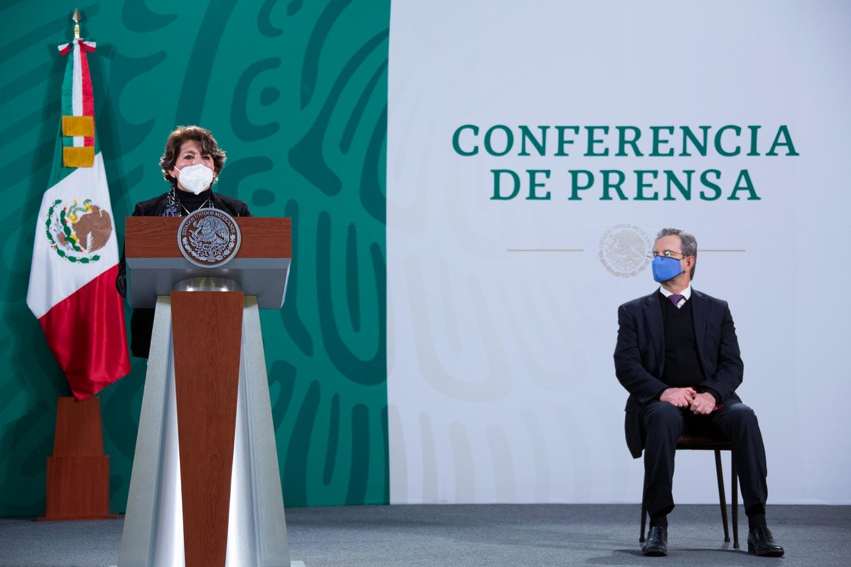 El presidente formaliza salida de Exteban Moctezuma de la SEP y da la bienvenida a Delfina Gómez