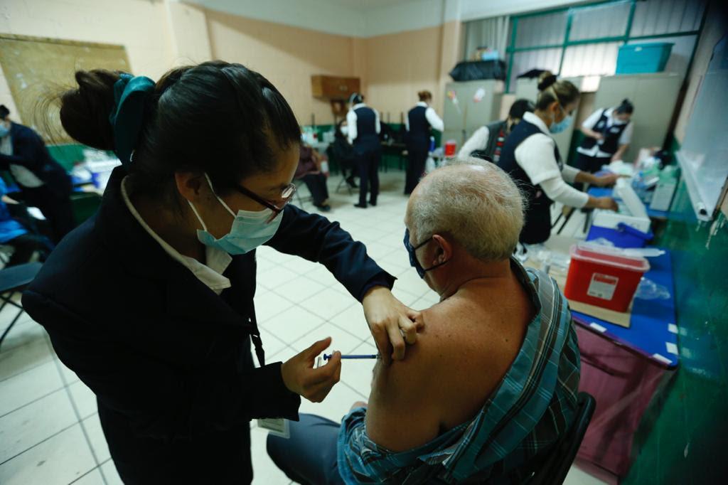 Garantiza salud edoméx vacunación contra COVID-19 a todos los adultos mayores de Ecatepec