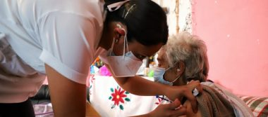 Gobierno capitalino informa que se vacuna a todas las personas de 60 años y más, y no hay contraindicación por hipertensión o diabetes.