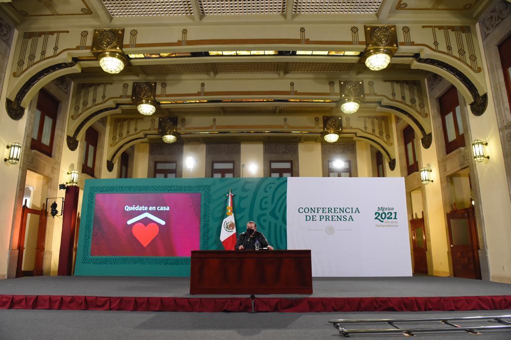 AMLO anuncia acuerdo con Odebrecht sobre la planta de polietileno en Coatzacoalcos.