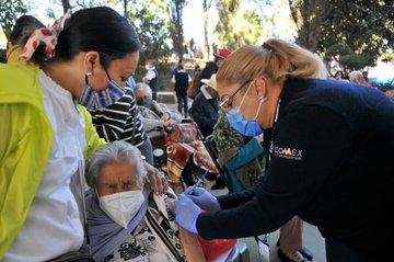 Inició vacunación contra COVID-19 en 19 municipios del Estado de México