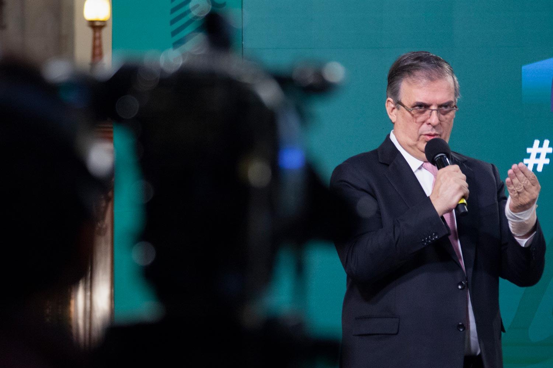 México inició negociaciones para traer al país vacunas en fase 3 para menores de edad.