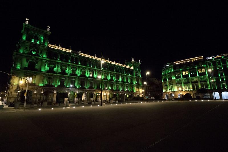 Se suman las secretarías de Cultura y Turismo de la capital al Global Greening con la iluminación de 11 sitios emblemáticos