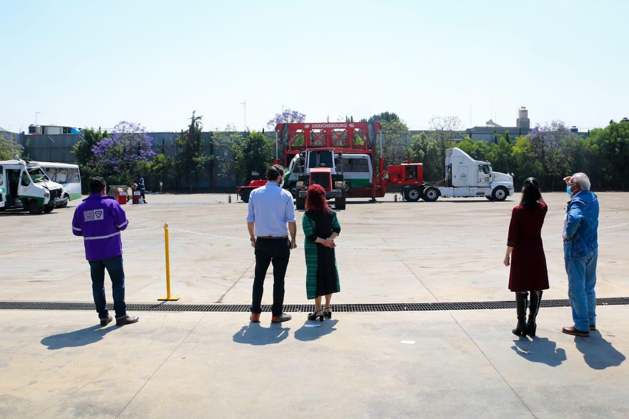 Se realizó la chatarrización de 810 unidades de los 6 mil microbuses que operan actualmente en la capital