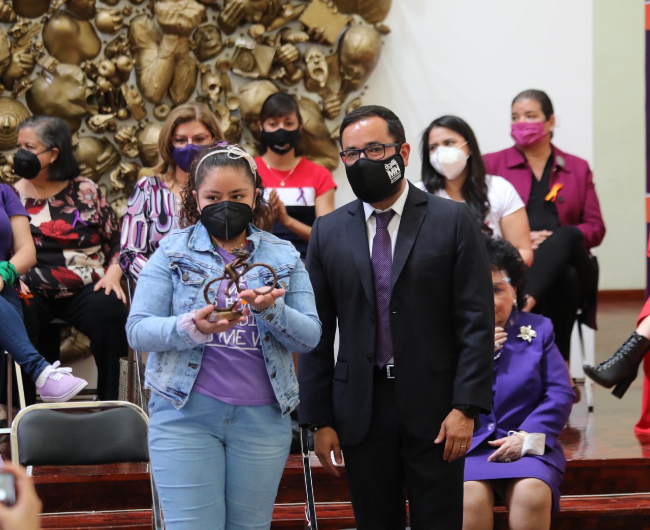 """Entrega Alcaldía Miguel Hidalgo """"Hidalgas"""" a 24 mujeres ejempladas"""