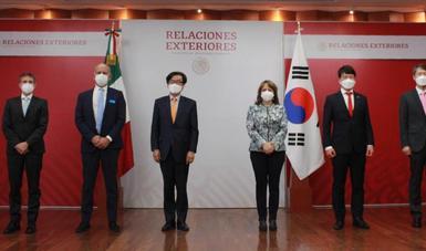 México recibe insumos médicos contra COVID-19 donados por la República de Corea