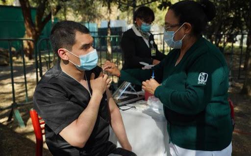Definen Educación, IMSS y Salud proceso de vacunación para personal educativo de escuelas públicas y particulares