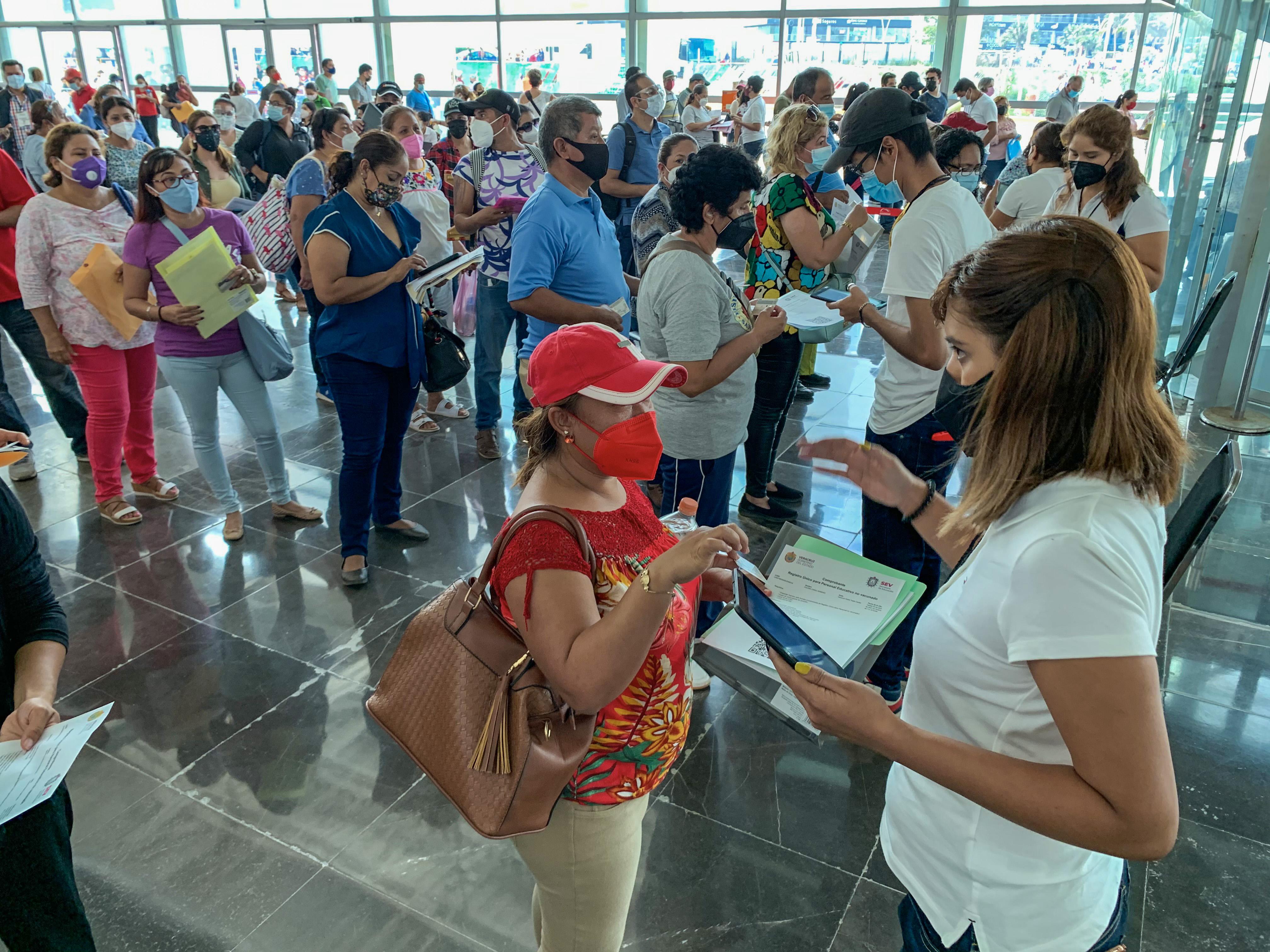 Avanza Gobierno de México en vacunación a personal educativo de Chiapas, Coahuila, Nayarit, Tamaulipas y Veracruz.
