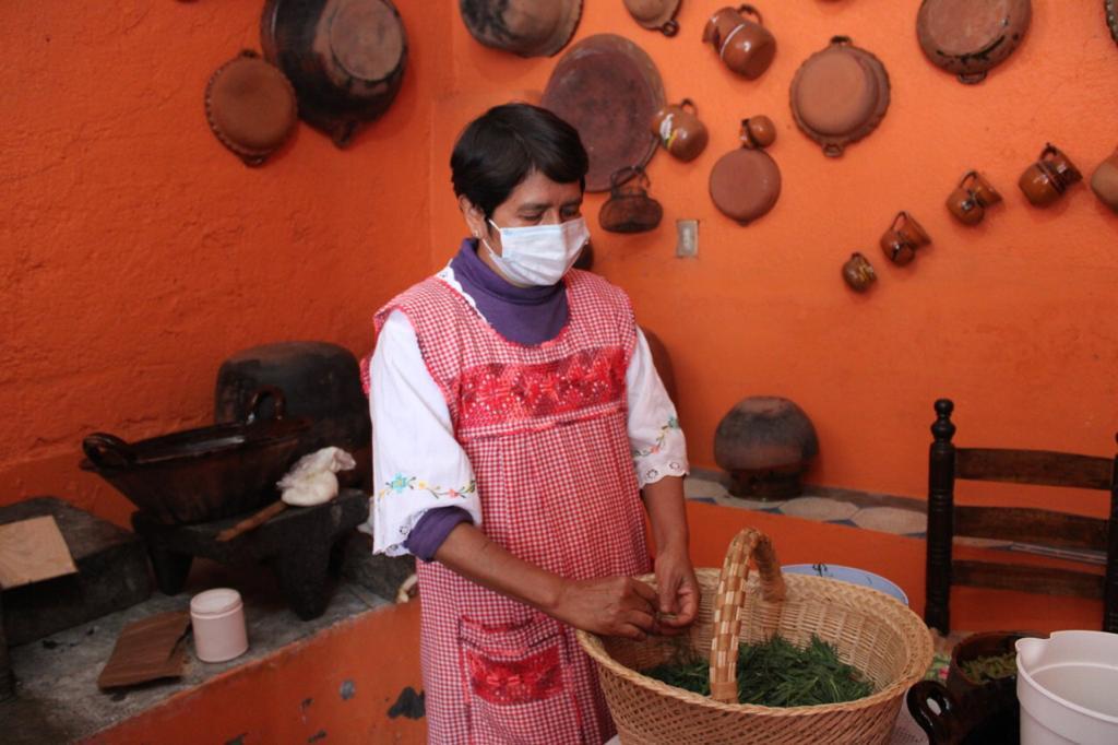 Invita CORENADR a comprar romeritos en mercados públicos de la capital