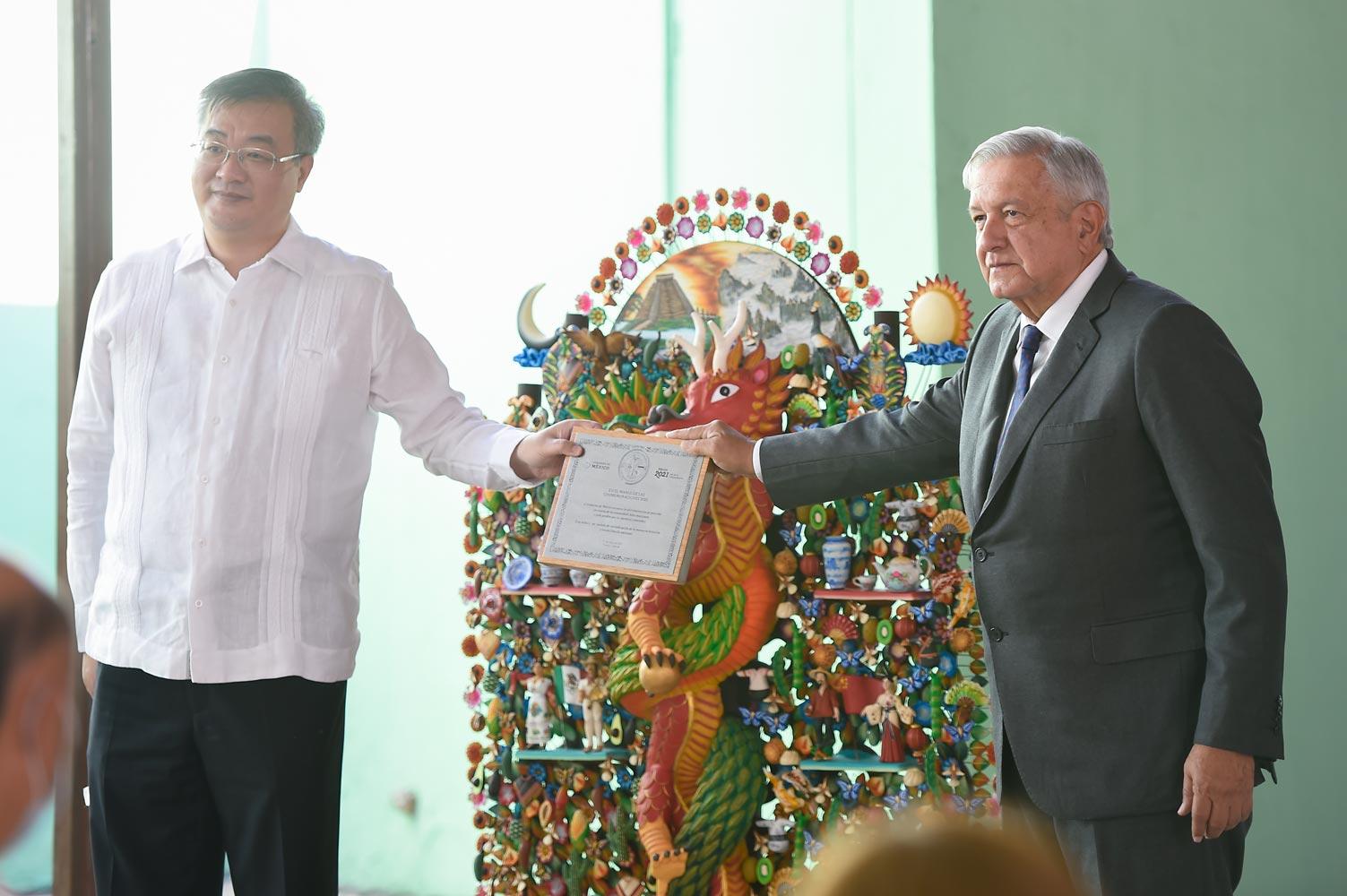 AMLO se disculpa con la comunidad china en México por agravios históricos