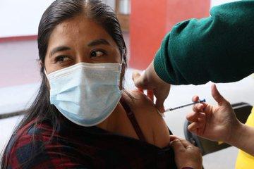 Están vacunadas el 80% de personas que integran al sector educativo de escuelas públicas y privadas en todo el país