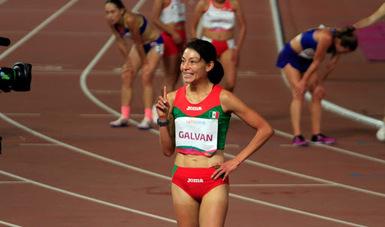 Laura Galván impone marca olímpica y nuevo récord mexicano