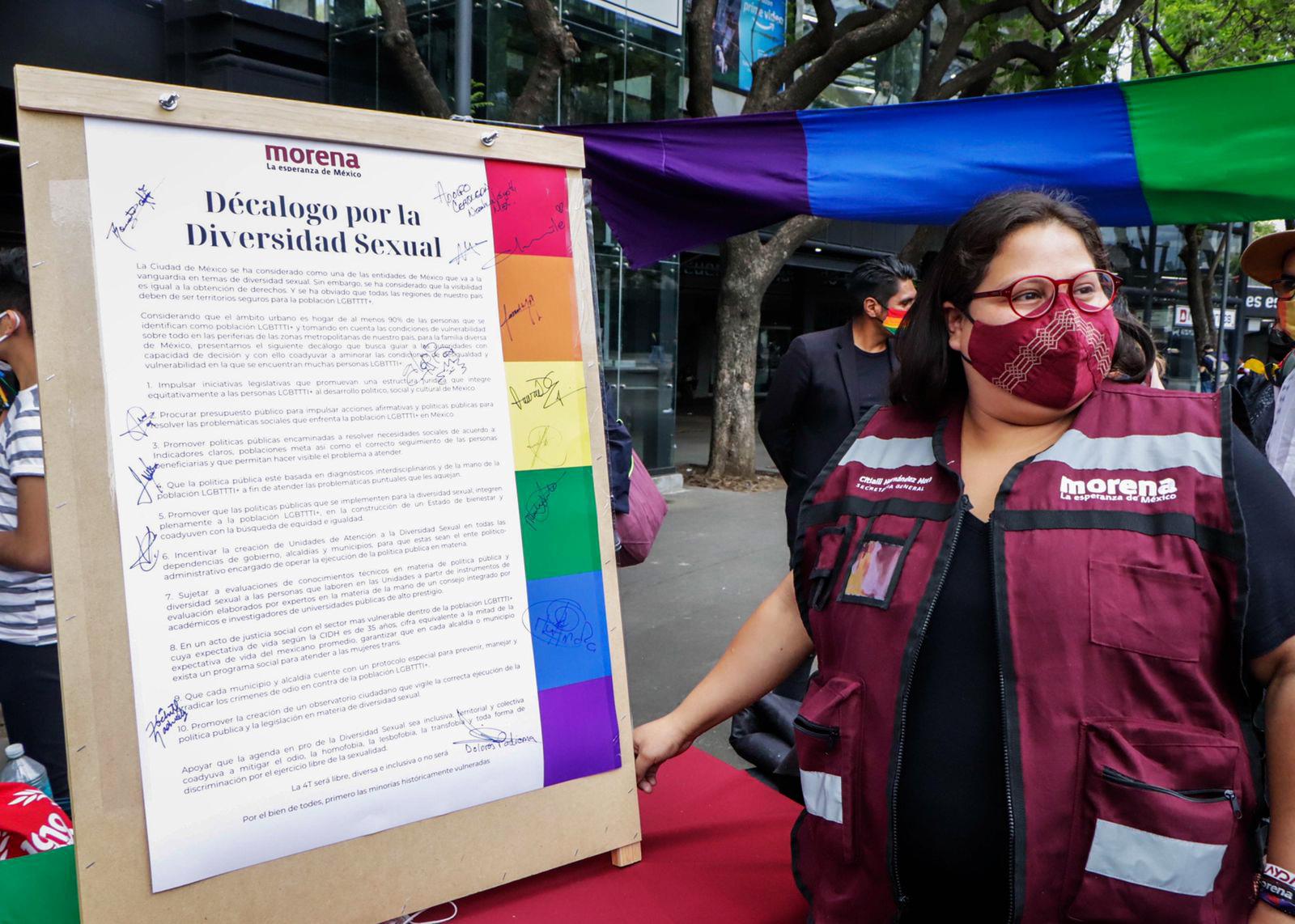 Morena firma Decálogo de la Diversidad Sexual