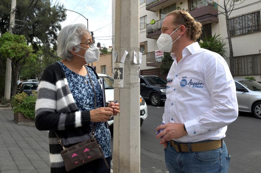 Vecinos de la colonia San Pedro de Los Pinos refrendan su voto a favor de la juventud y experiencia de Santiago Taboada
