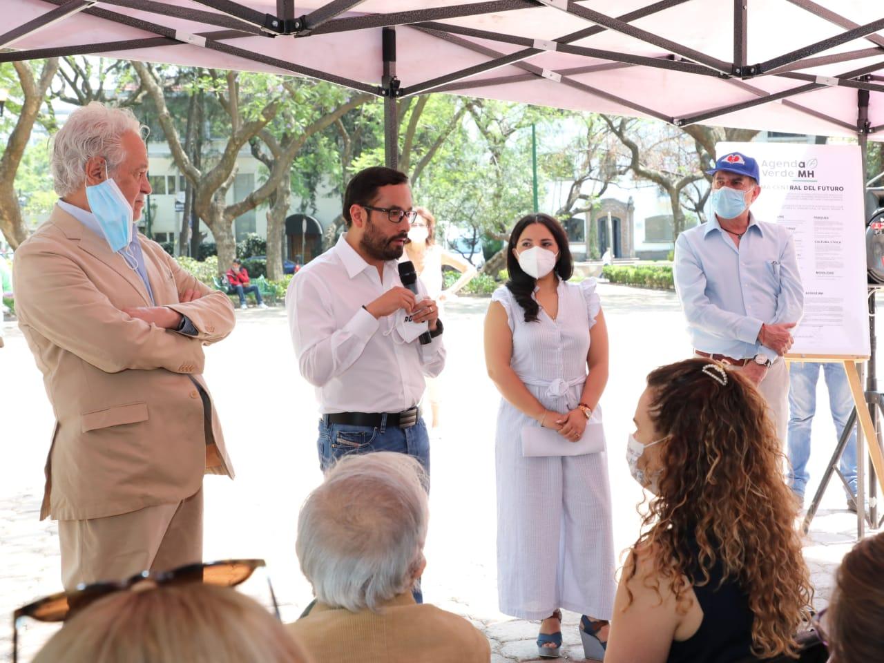 Suscribe Víctor Romo agenda ambientalista de candidato independiente