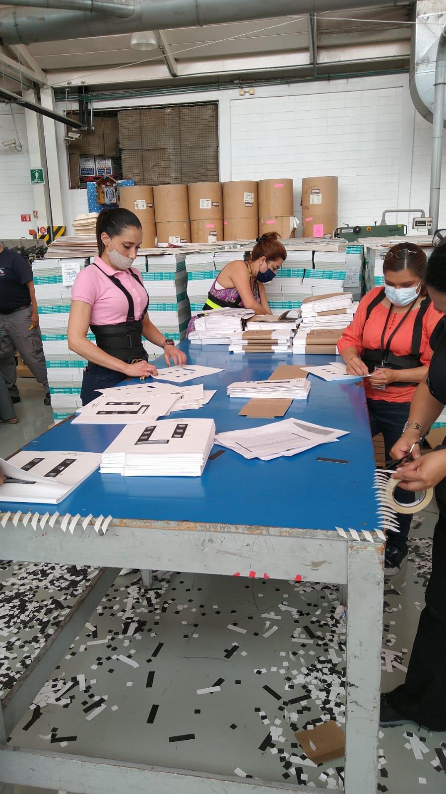 Talleres Gráficos de México imprimió plantillas braille para las boletas electorales