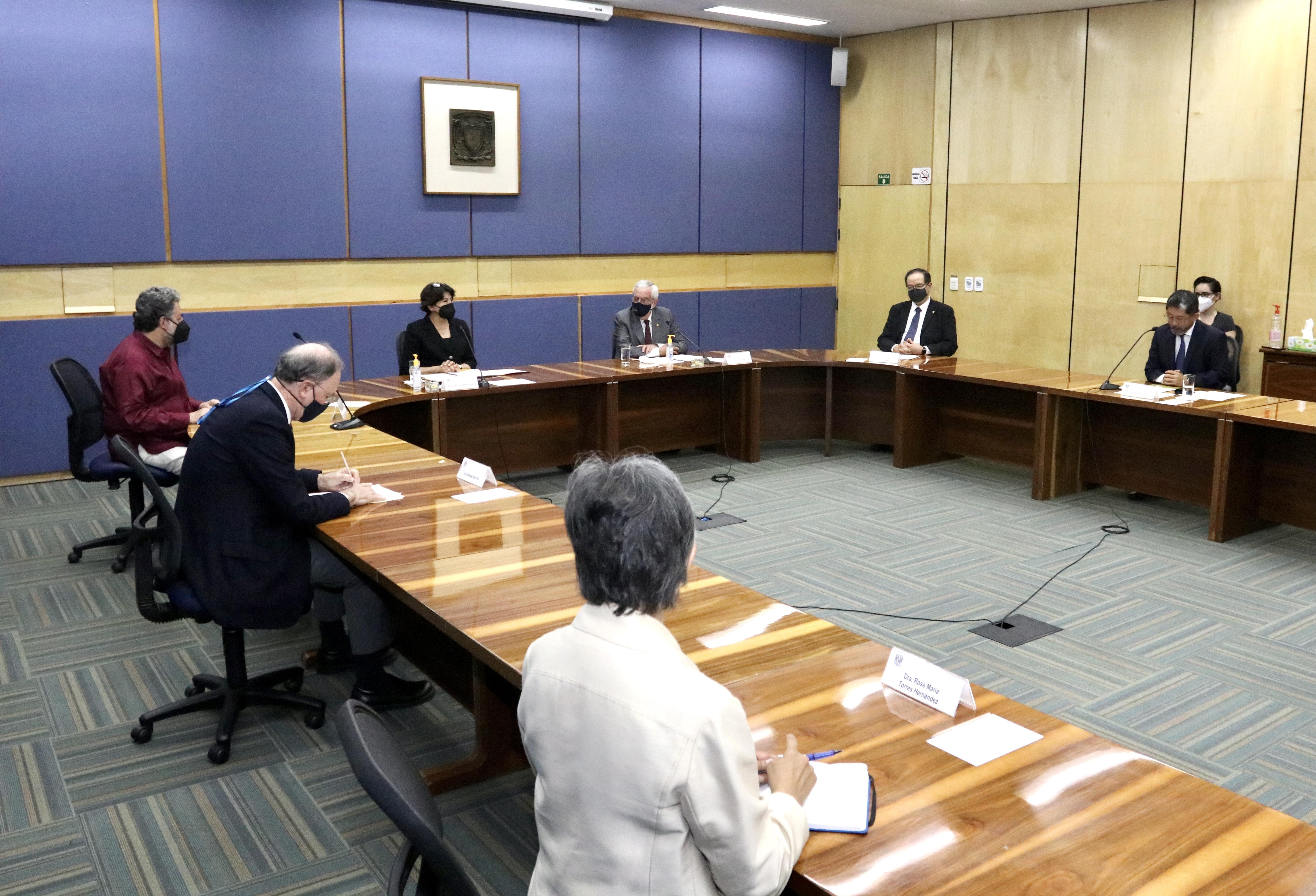 Firman UNAM y SEP convenio para integrar sistema de información de educación superior