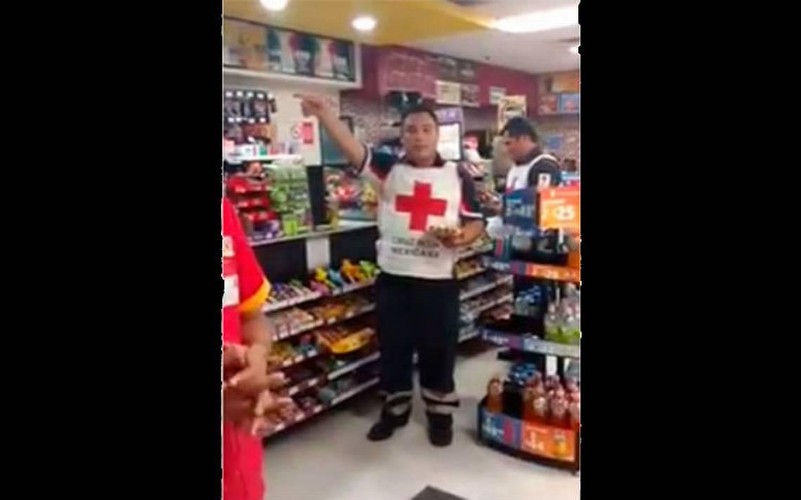 Paramédicos de Cruz Roja niegan auxilio a herido en Xalapa