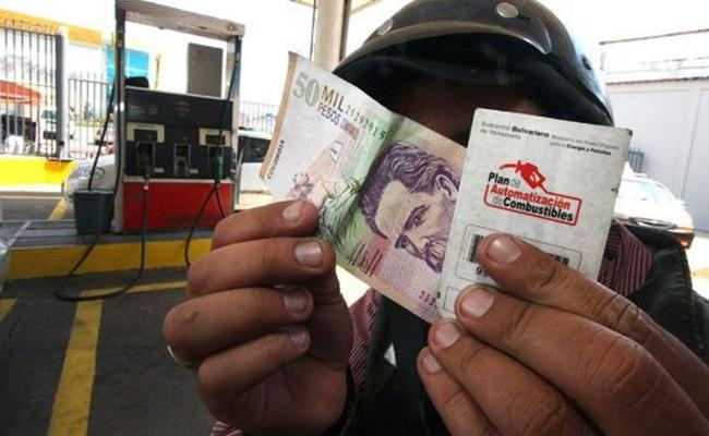 Venezuela ya vende gasolina en moneda internacional en la frontera
