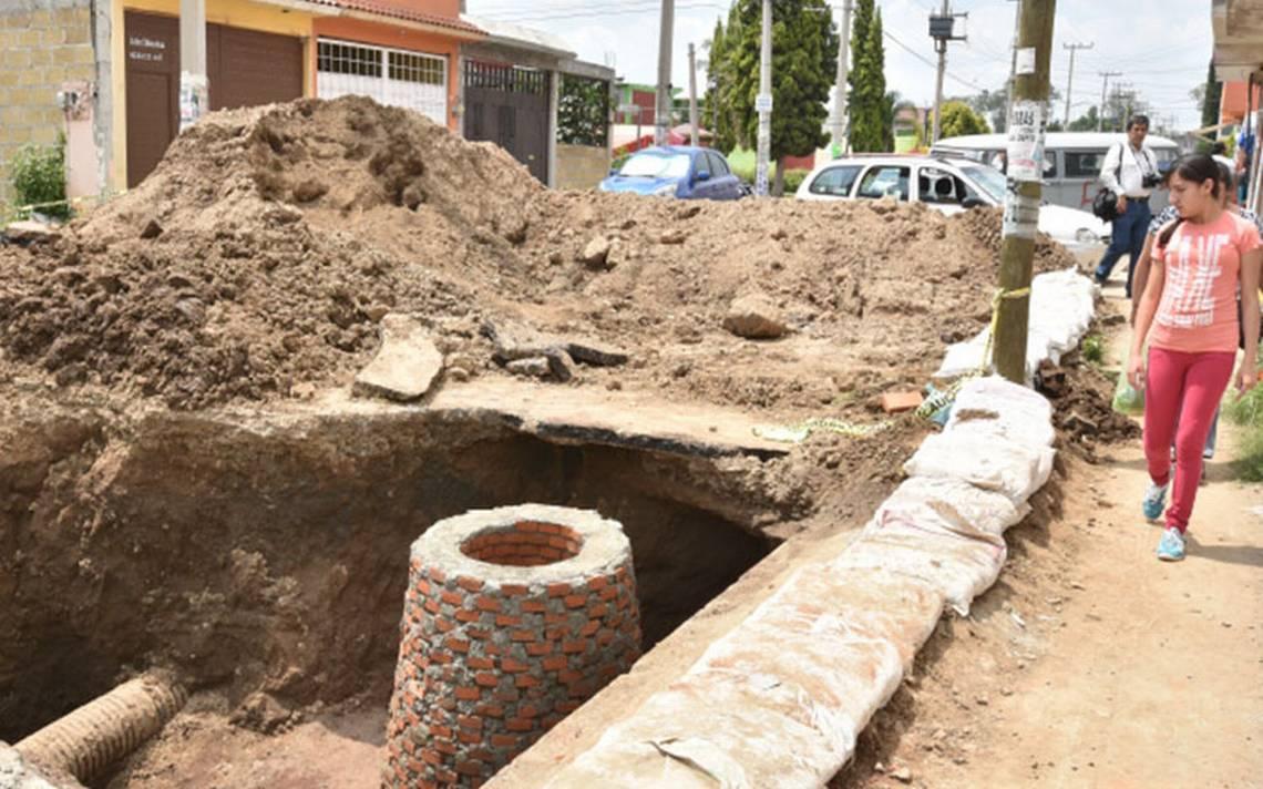 Socavón de seis metros de profundidad daña 18 viviendas en Chalco