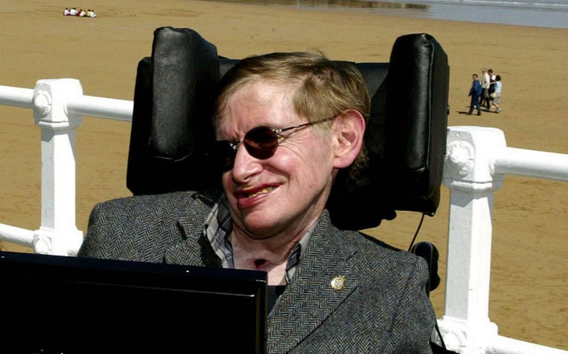 """Descubre la """"Teoría del penalti perfecto"""" de Stephen Hawking"""