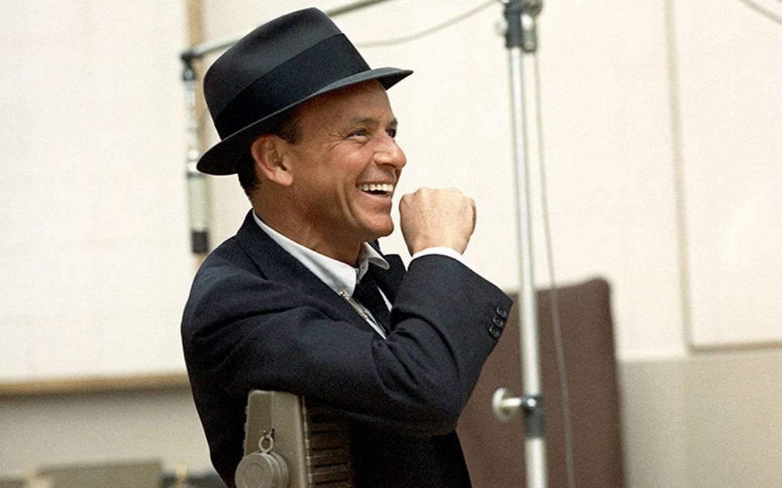 """Frank Sinatra, """"La Voz"""" que enloqueció a las quinceañeras en 1942"""