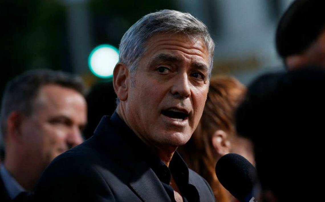 George Clooney sufre accidente de moto en Italia