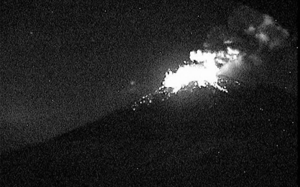 Popocatépetl emite fumarola; cae ceniza en Morelos y Edomex