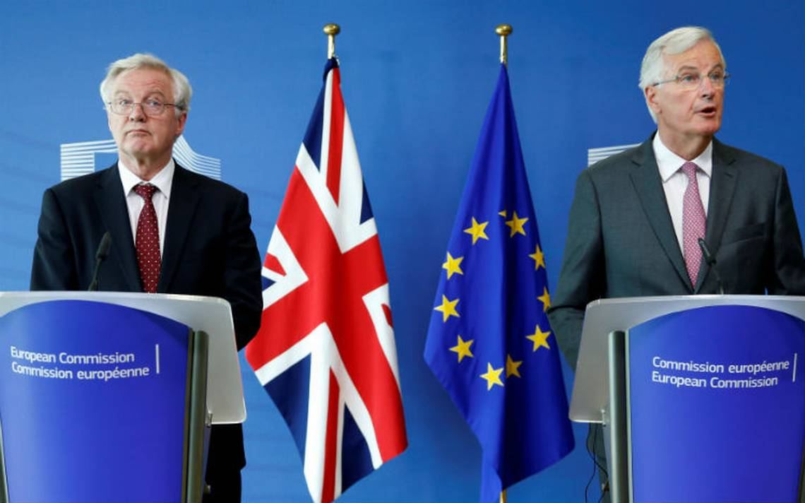 UE urge a Reino Unido claridad para acelerar negociación del brexit