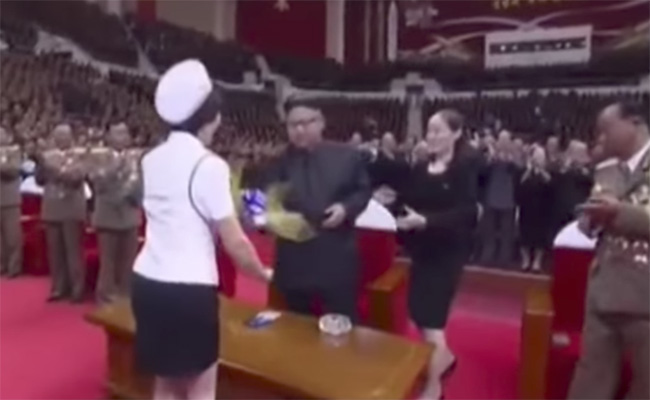 Kim Jong-un celebra con un concierto pop el éxito de su último misil