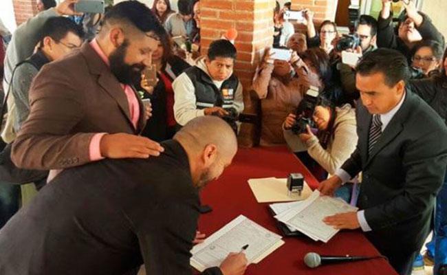 Se realiza primer matrimonio entre hombres en Tlaxcala