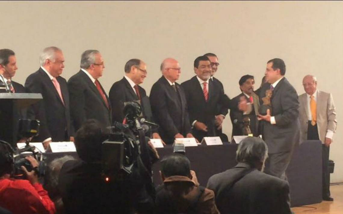 Entregan presea Ricardo Flores Magón a personalidades comprometidas con la Libertad de Expresión