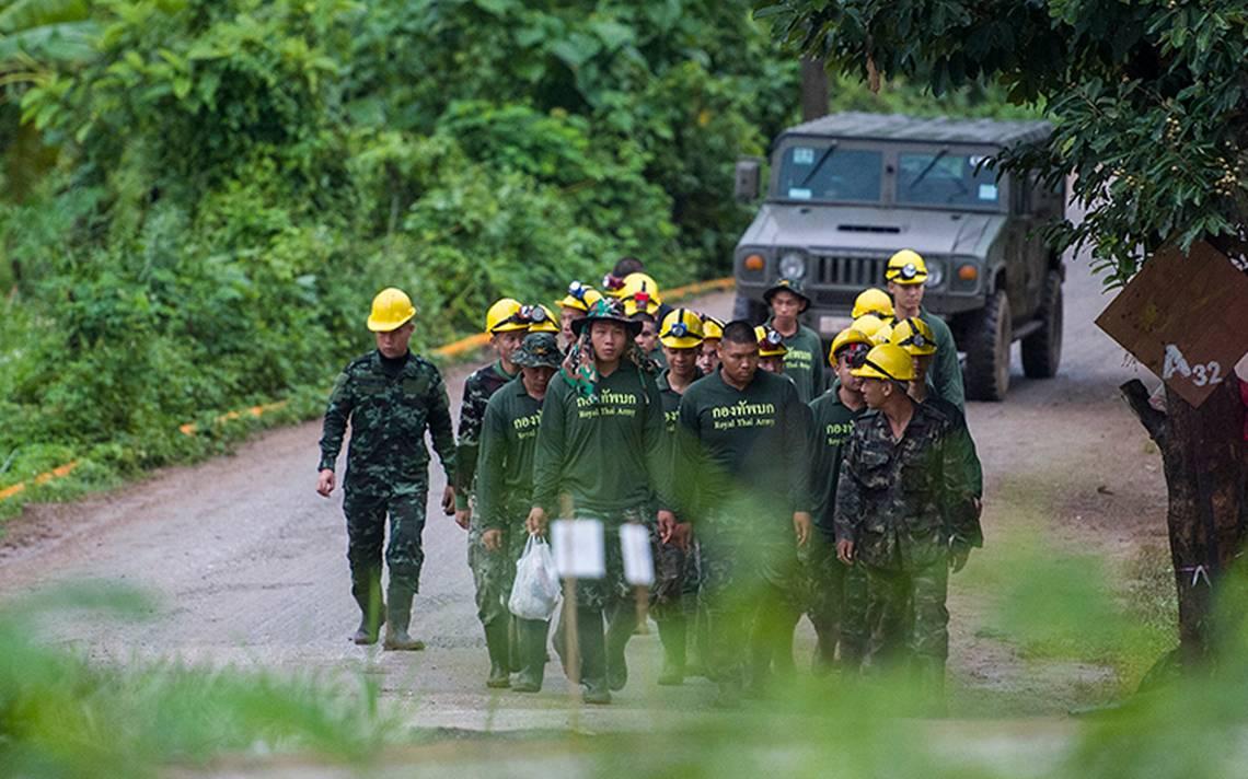 Concluye rescate de los 12 niños y su entrenador de la cueva inundada en Tailandia