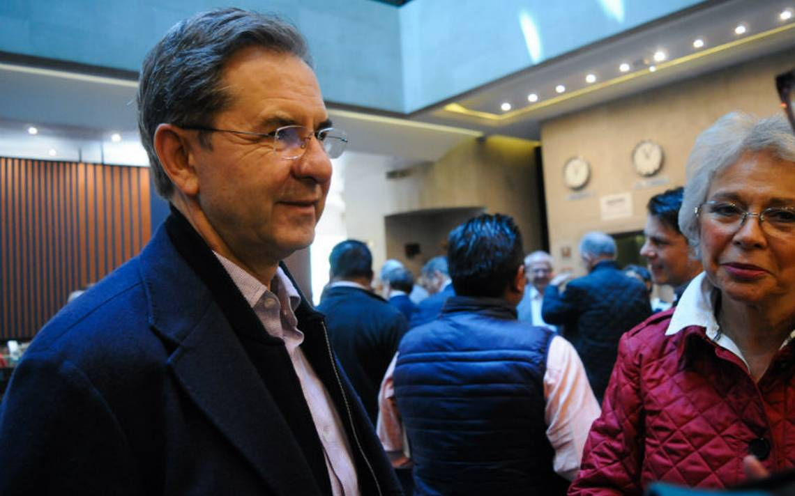 Próximo titular de la SEP anuncia reinstalación de maestros cesados