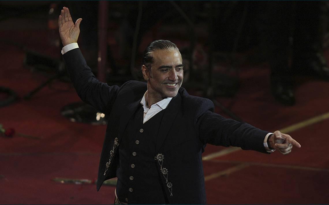 Alejandro Fernández celebra mes patrio con concierto en el Auditorio Nacional