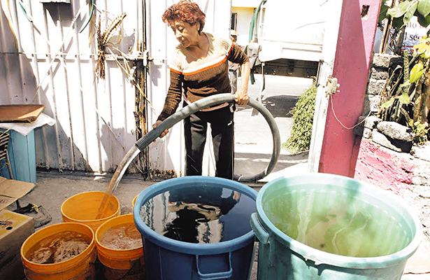 Miles se quedan sin agua en Matehuala