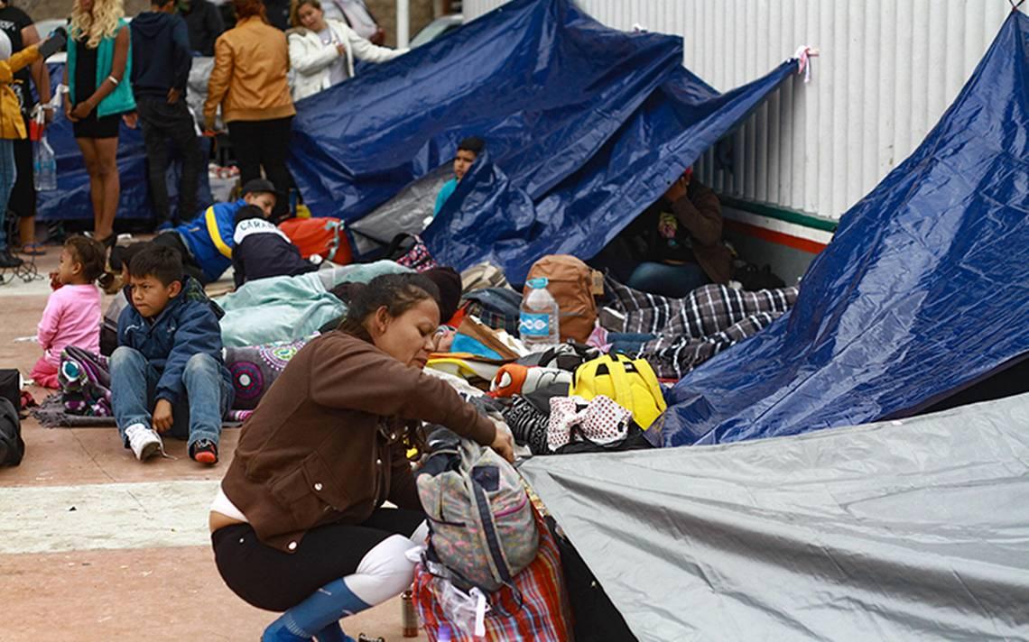 EU recibe solicitud de asilo de madres y niA�os de la caravana migrante