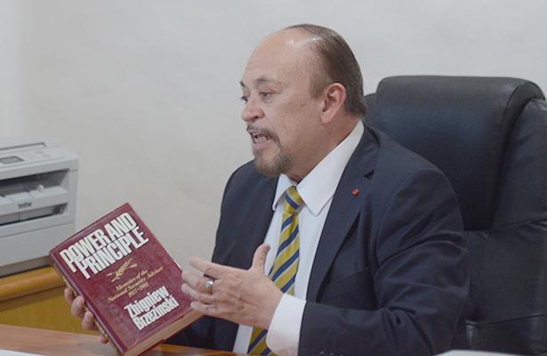 Mercado interno, desaprovechado, afirma el ex embajador Eduardo Roldán